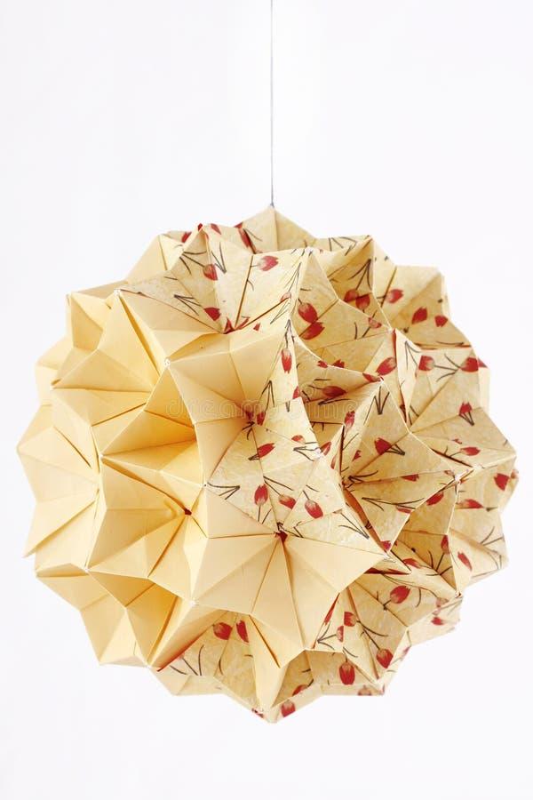 球查出的kusudama做origami纸白色 免版税库存图片