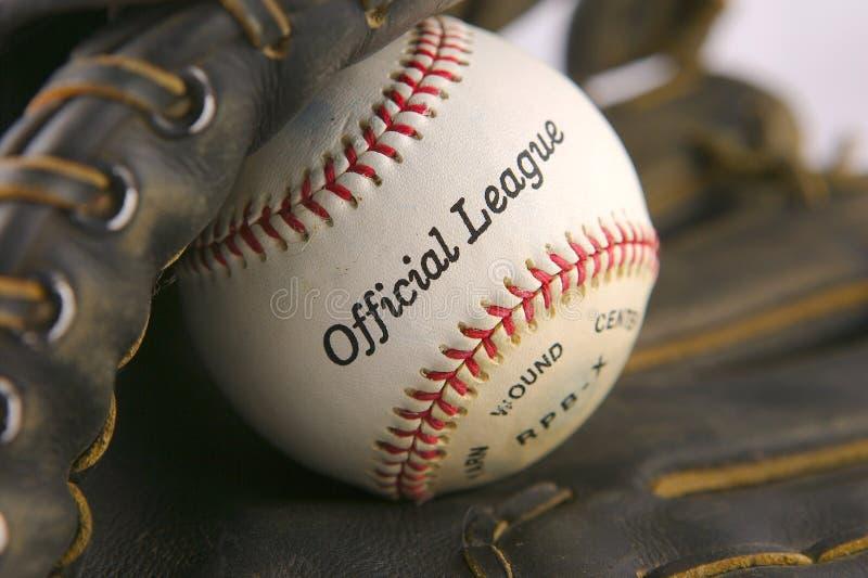 球棒球手套 免版税库存图片