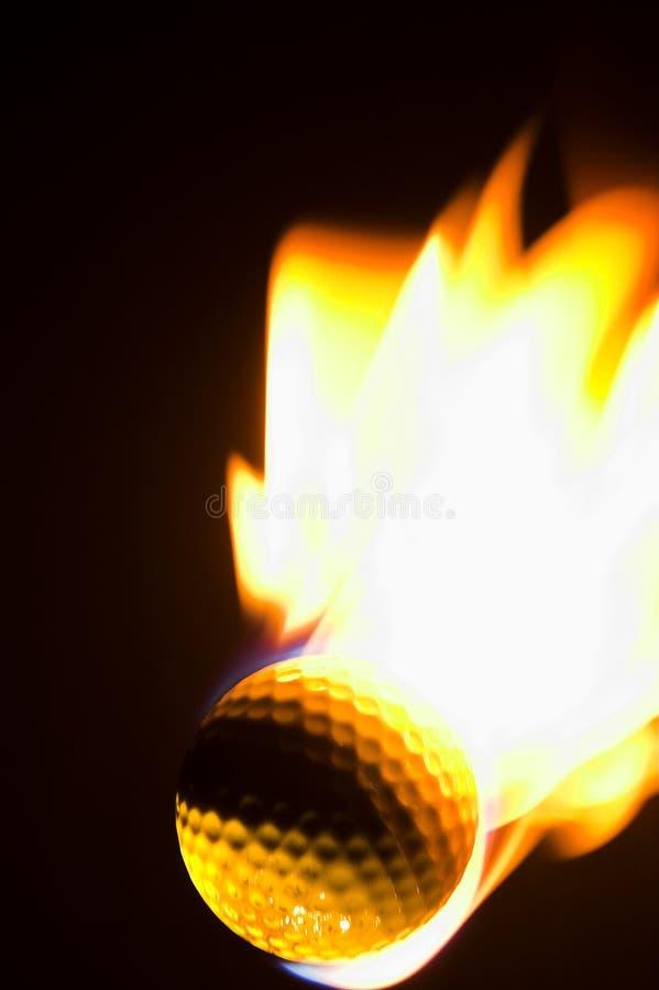球火焰状高尔夫球 免版税库存图片