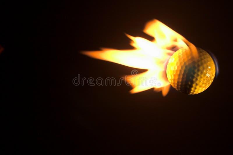 球火焰状高尔夫球 免版税图库摄影