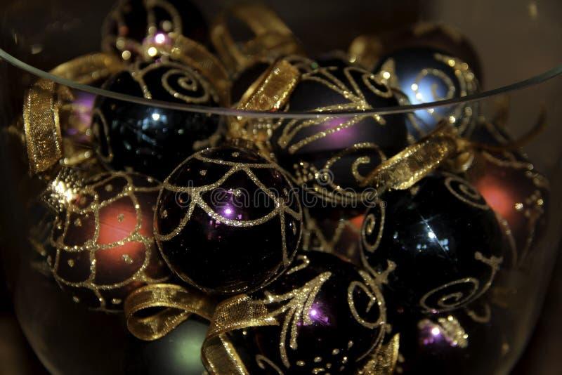 球配件箱分行圣诞节手摇铃装饰品 免版税库存图片