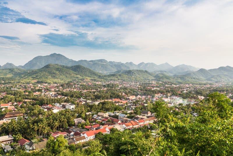 琅勃拉邦鸟瞰图在老挝 免版税库存照片