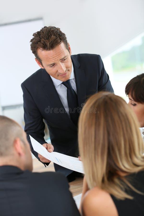 经理引导的企业队 免版税库存照片