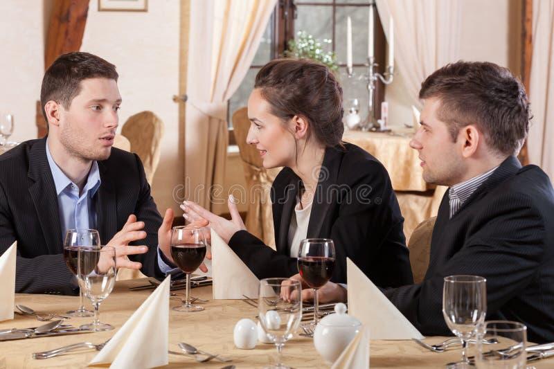 经理的会议在餐馆 免版税库存图片