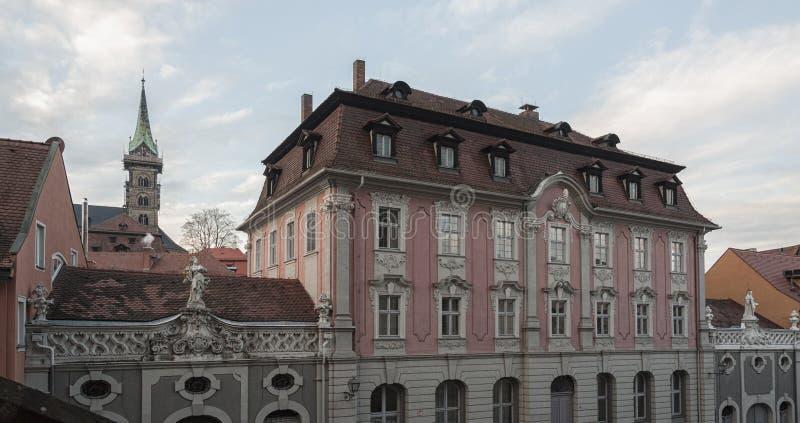 琥珀历史的老镇有巴洛克式的建筑学和偶象木头被构筑的房子的-德国 库存照片