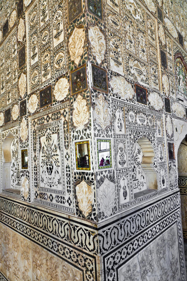 琥珀色的堡垒宫殿,斋浦尔,印度内部  免版税库存图片