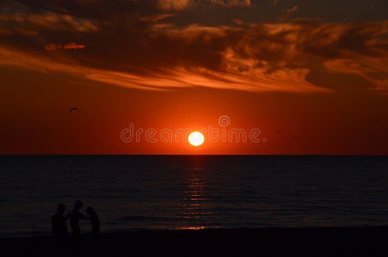 琥珀色的日落 免版税库存图片