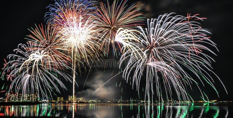 琵琶湖烟花在大津,滋贺,日本 库存图片