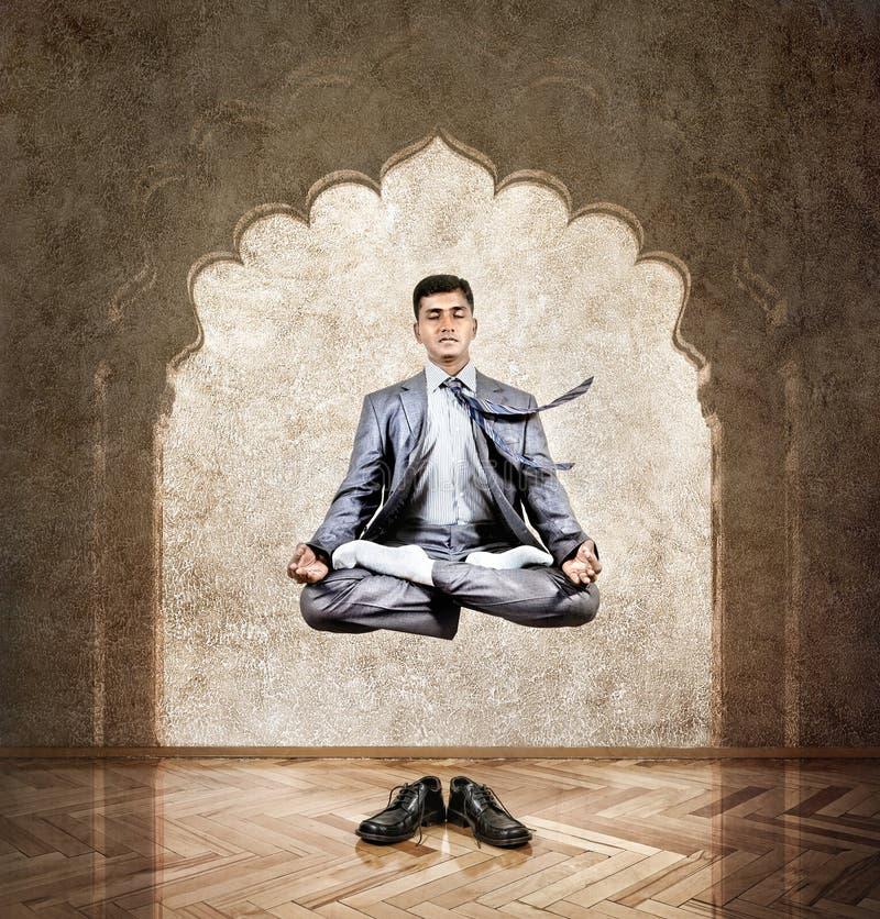 瑜伽凝思在天空中 图库摄影