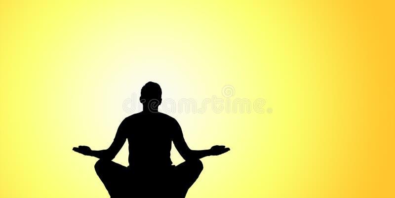 瑜伽剪影在山顶的 免版税库存图片
