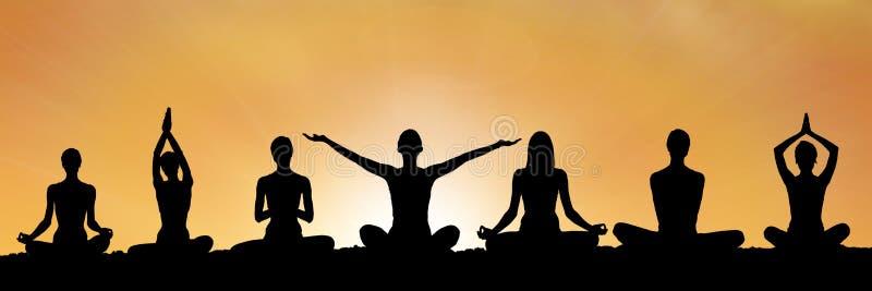 瑜伽在日落的小组剪影 库存例证