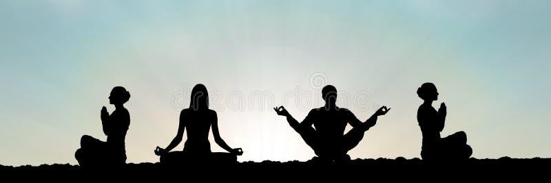 瑜伽在日落祈祷的小组剪影 皇族释放例证
