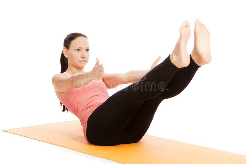 瑜伽姿势在演播室 图库摄影