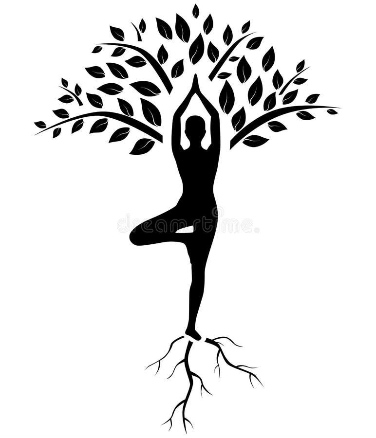 瑜伽树姿势剪影 免版税库存照片