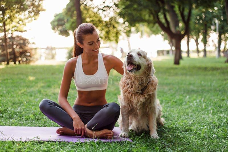 瑜伽生活方式 免版税库存照片