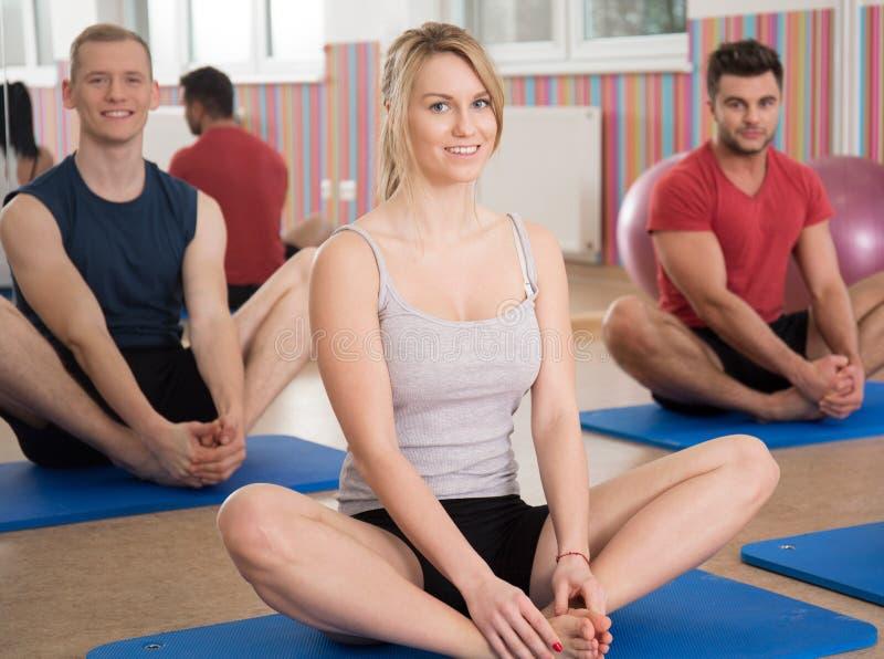 瑜伽辅导员 免版税图库摄影