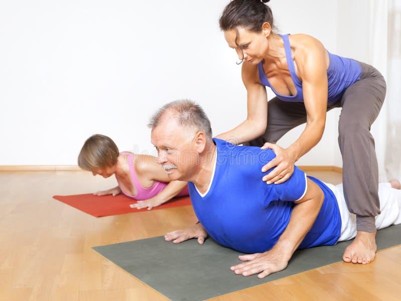 瑜伽锻炼 免版税库存照片