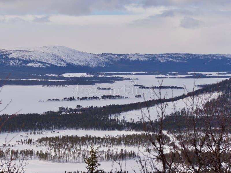 瑞典冬天风景在瑞典拉普兰,阿尔耶普卢格 库存图片