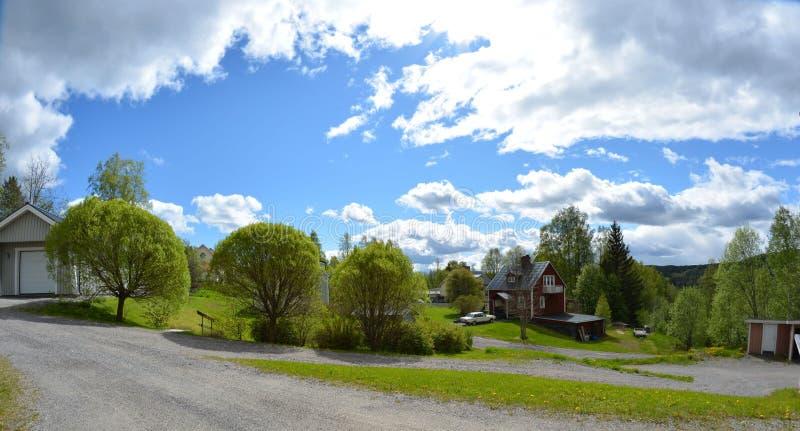 瑞典房子和庭院 免版税库存图片