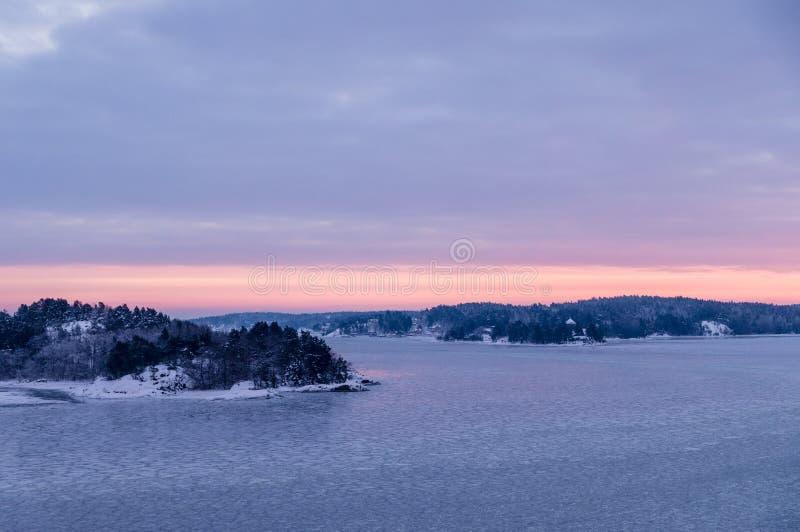 Download 瑞典的礁由冰和雪盖了 库存照片. 图片 包括有 云彩, 斯堪的那维亚, 平静, 田园诗, 季节, 北欧人 - 62530882