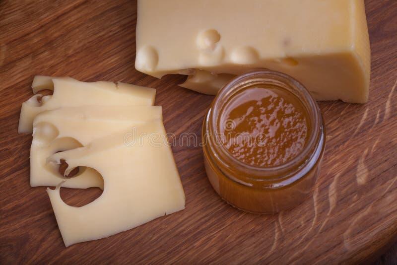 瑞士乳酪用果酱 免版税库存照片