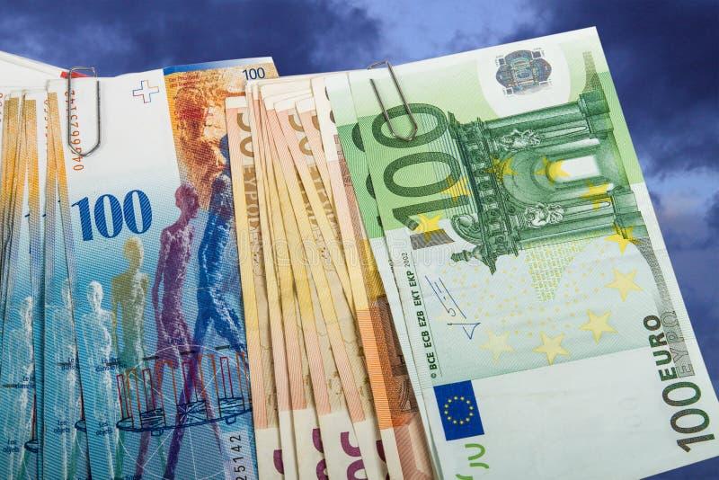 瑞士人和欧盟钞票 库存照片