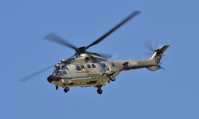 瑞士人  532UL美洲狮直升机 免版税库存照片