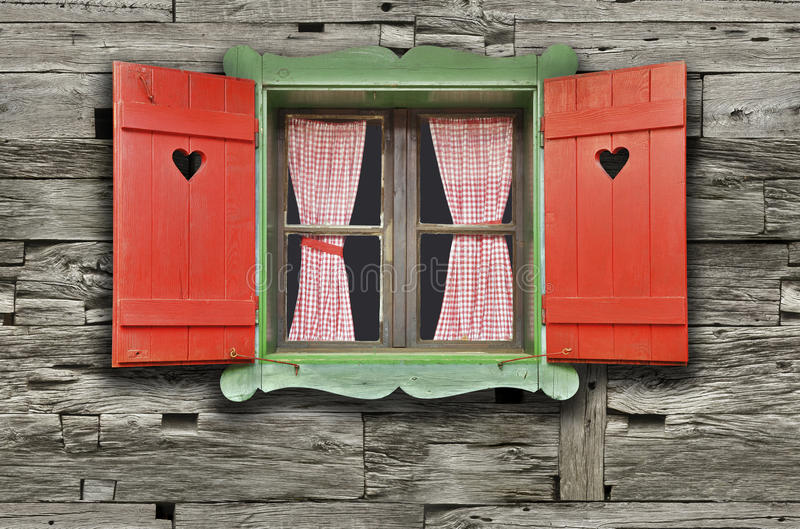 瑞士山中的牧人小屋窗口 库存图片