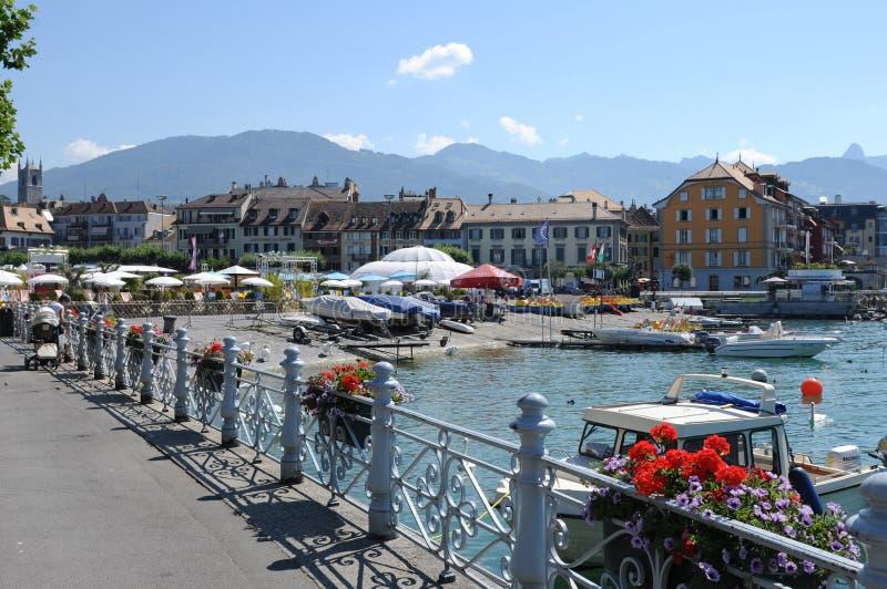 瑞士:沃韦城市湖散步日内瓦湖的 免版税库存图片