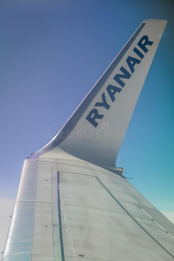 瑞安航空公司小翅膀关闭 免版税库存图片