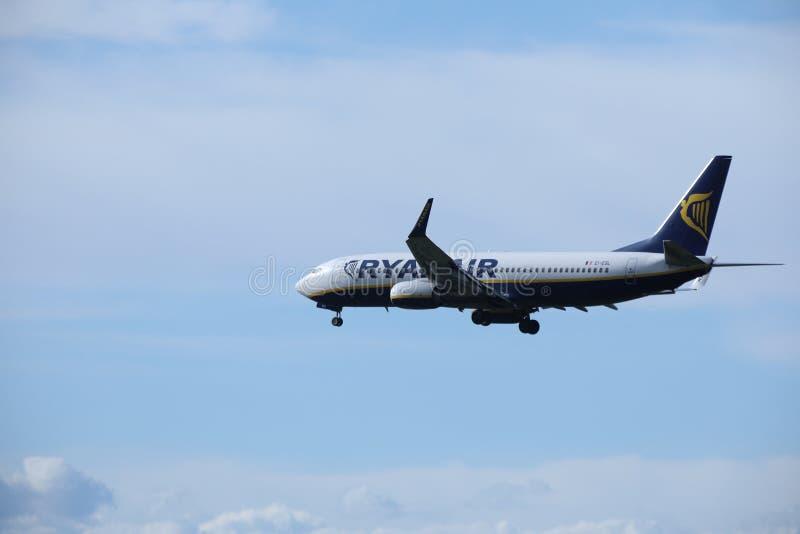 瑞安航空公司波音737-800 EI-ESL 库存照片