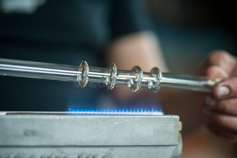 玻璃吹 燃烧器 氖灯生产 免版税库存照片