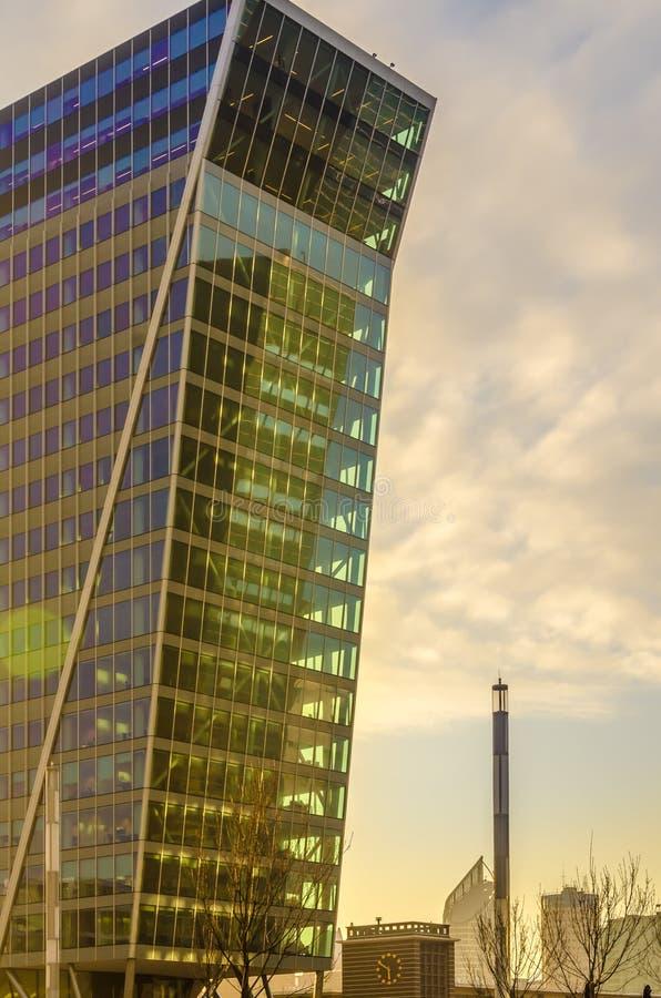 玻璃和海牙都市风景现代大厦  图库摄影