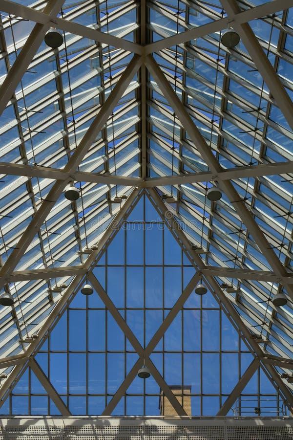 玻璃和钢天花板 库存图片