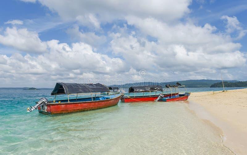 玻璃在快活的bouy海岛,印度的底部小船 图库摄影