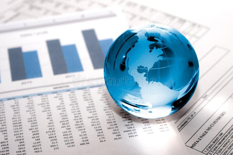 玻璃地球事务。 世界市场 免版税库存图片