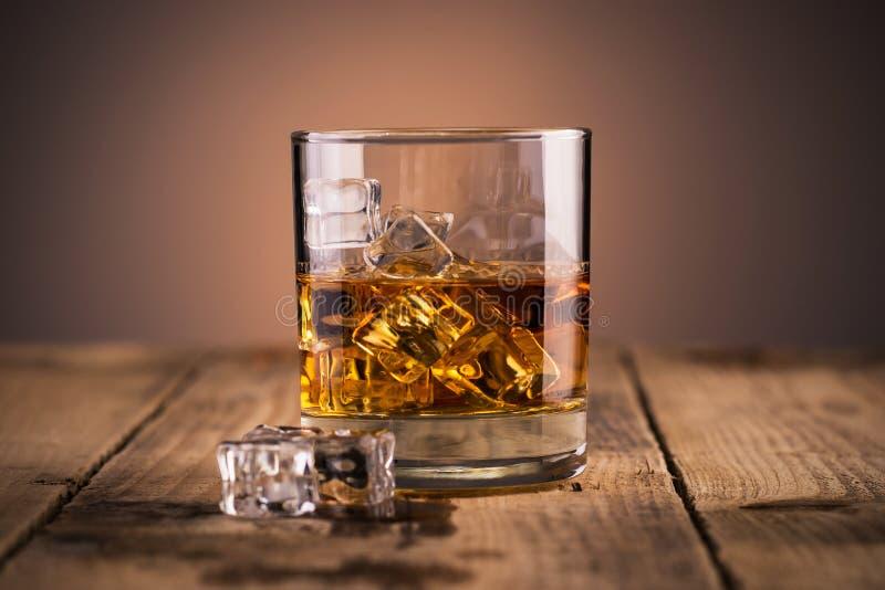 玻璃威士忌酒 免版税库存图片