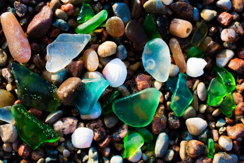 玻璃海滩 与优美的海玻璃的自然纹理 库存照片