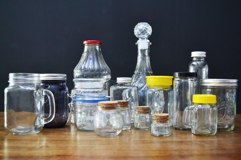 玻璃瓶子和瓶品种  免版税图库摄影