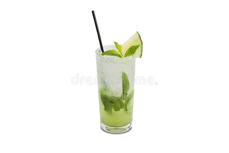 瓜在白色背景隔绝的mojito鸡尾酒 库存图片