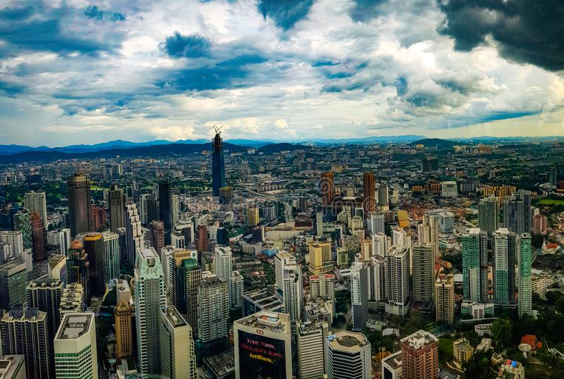 瓜拉lampur城市从上面,马来西亚的scape视图2017年 图库摄影