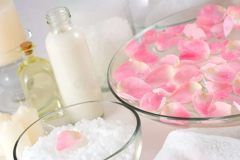 瓣玫瑰色温泉 库存图片