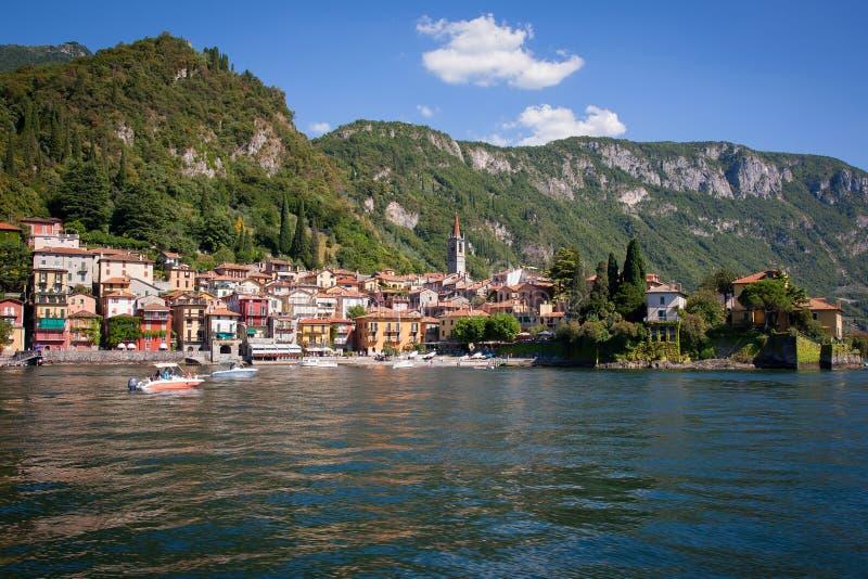 瓦伦纳在科莫湖,意大利 免版税库存图片