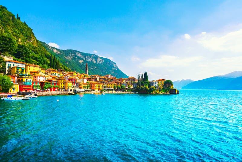 瓦伦纳镇, Como湖区风景 意大利,欧洲 免版税图库摄影