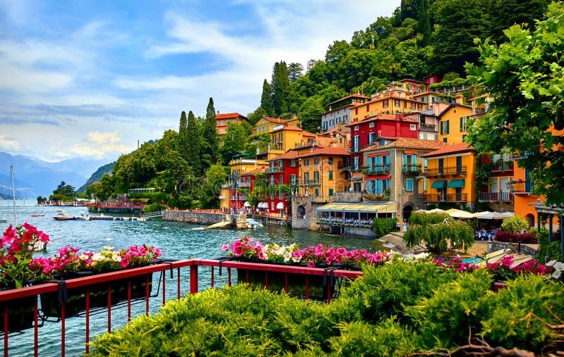 瓦伦纳 科莫湖风景如画的小镇 库存照片