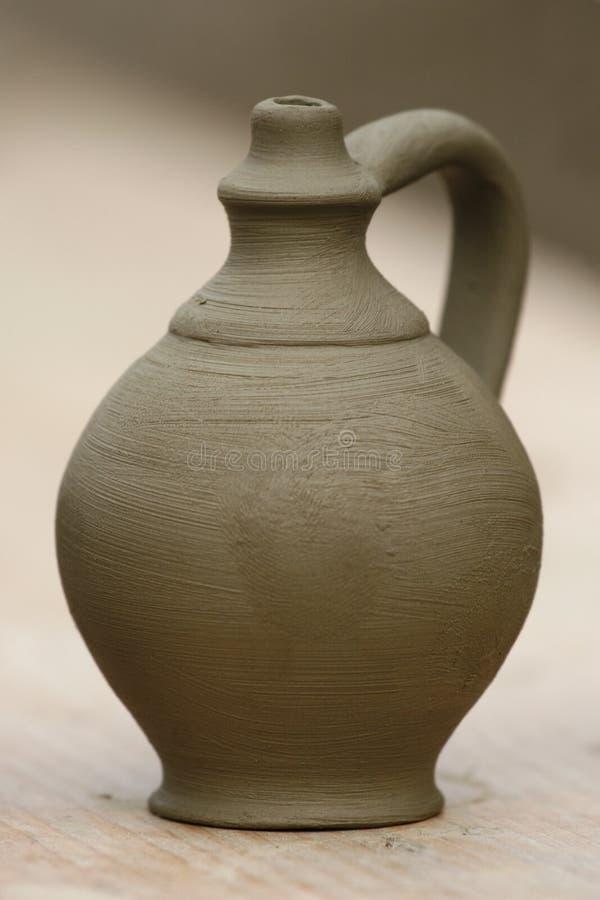 瓦器花瓶 免版税图库摄影