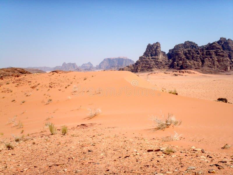 瓦地倫沙漠風景在約旦. 地產, 阿拉伯.圖片