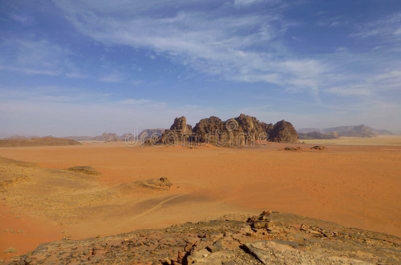 瓦地伦,约旦火星的沙漠风景  图库摄影