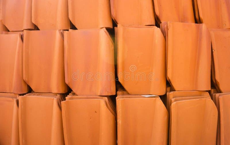 瓦屋顶在出售产业的屋顶样式 免版税库存图片
