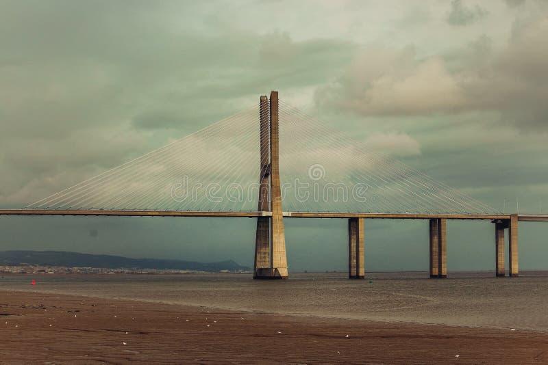 瓦斯考Da Gama桥梁 库存照片